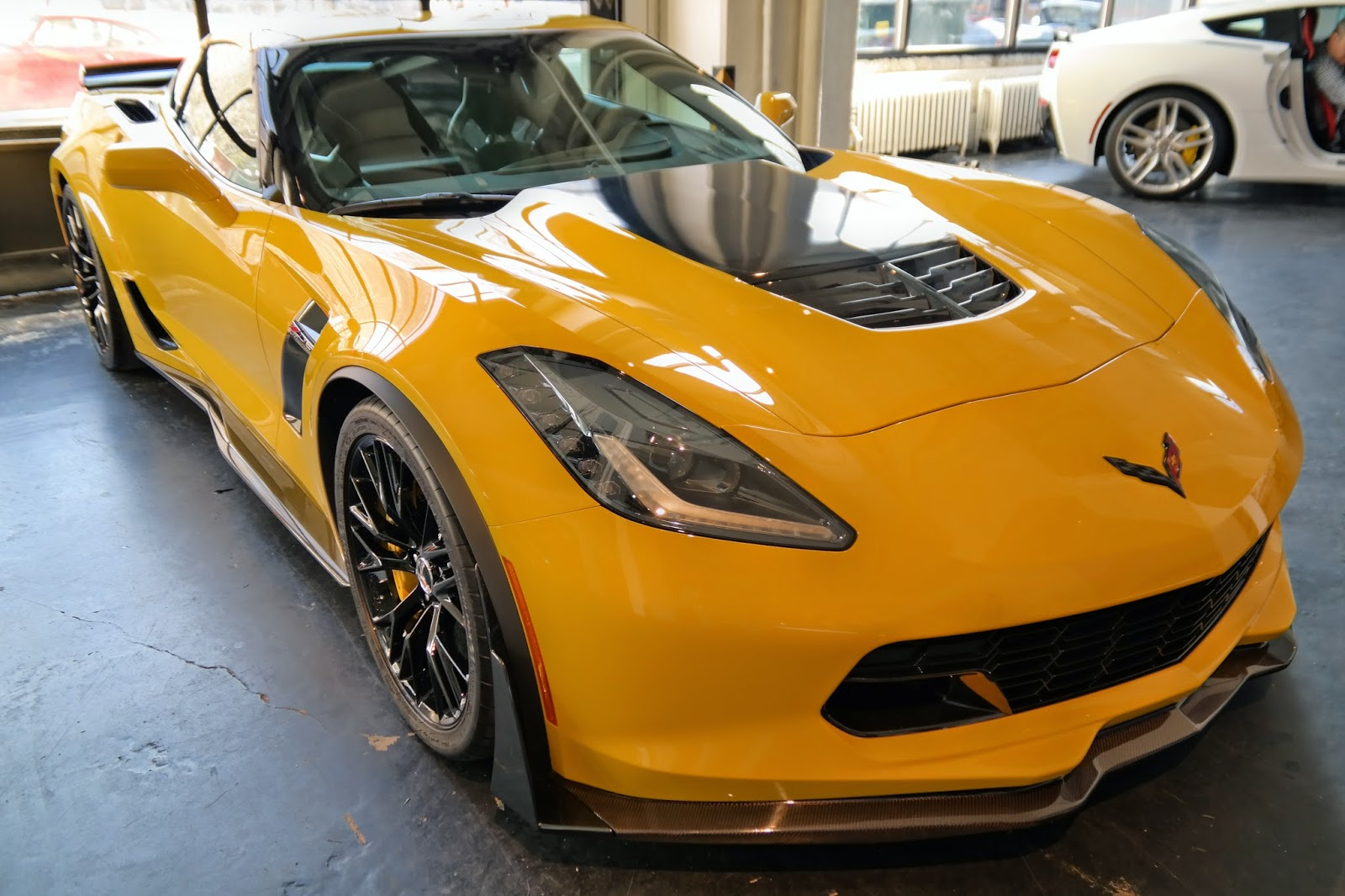 corvette c7 z06 up close and personal look at the stunning details. Black Bedroom Furniture Sets. Home Design Ideas