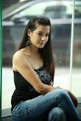 Diksha Panth Glamorous photos-thumbnail-3