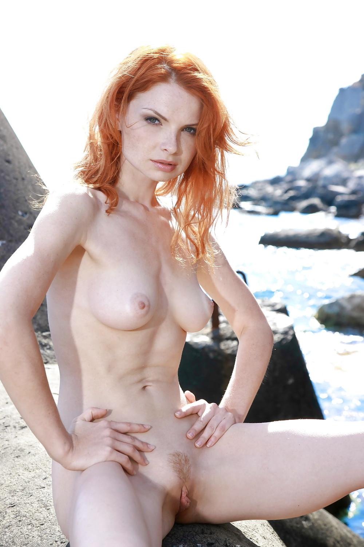 Kills naked girls erotic photos