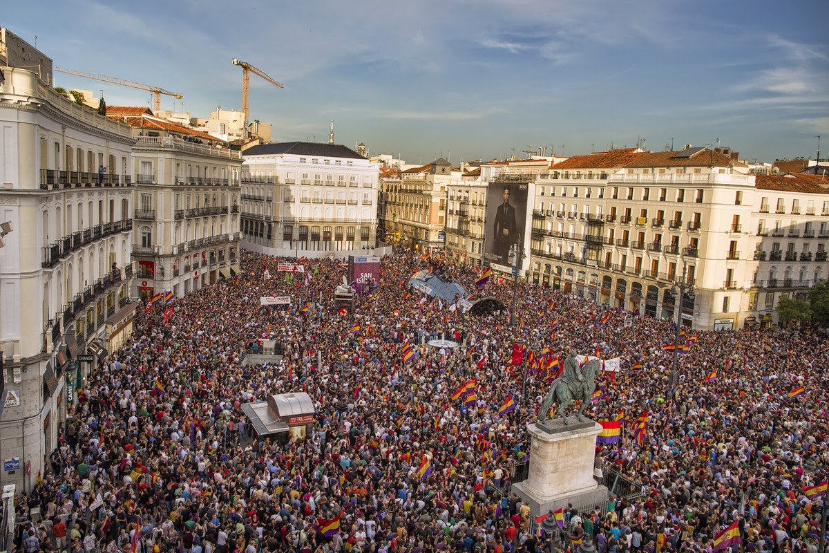 http://www.huffingtonpost.es/2014/06/02/fotos-republica_n_5434110.html?utm_hp_ref=spain