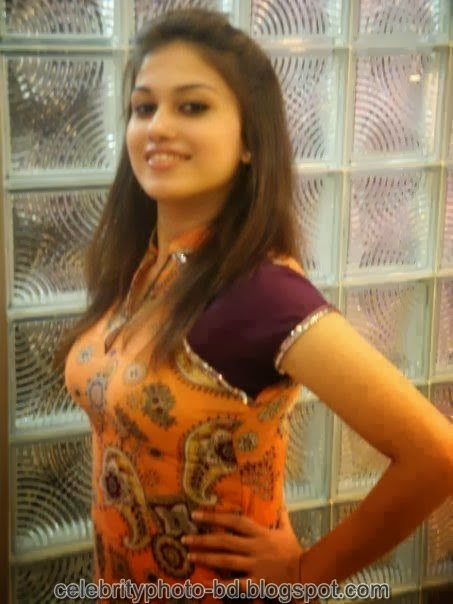 Deshi+girl+real+indianVillage+And+college+girl+Photos096