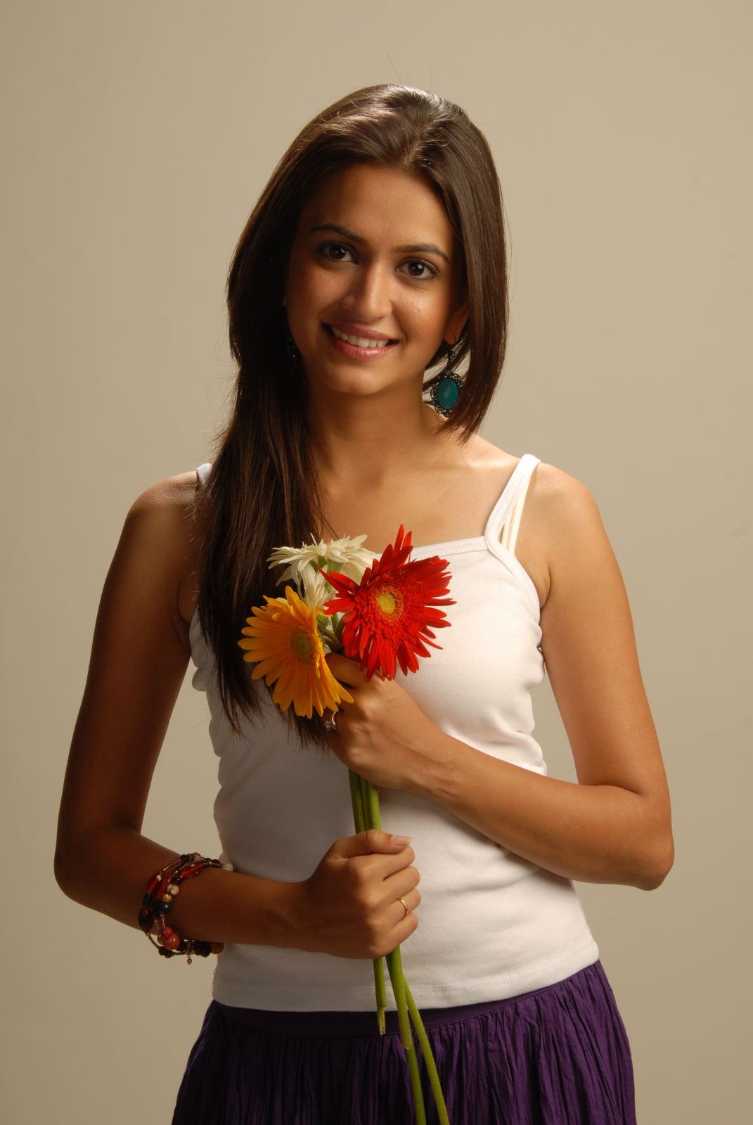 Kriti Kharbanda New Cute Photos in White Dress