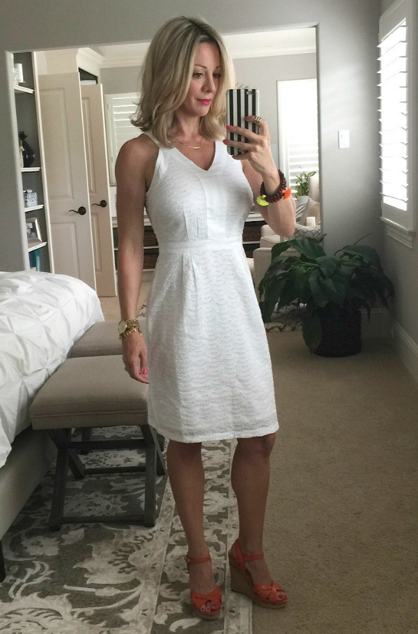 Weekend Steals & Deals | Summer Fashion Outfits | White Eyelet Dress
