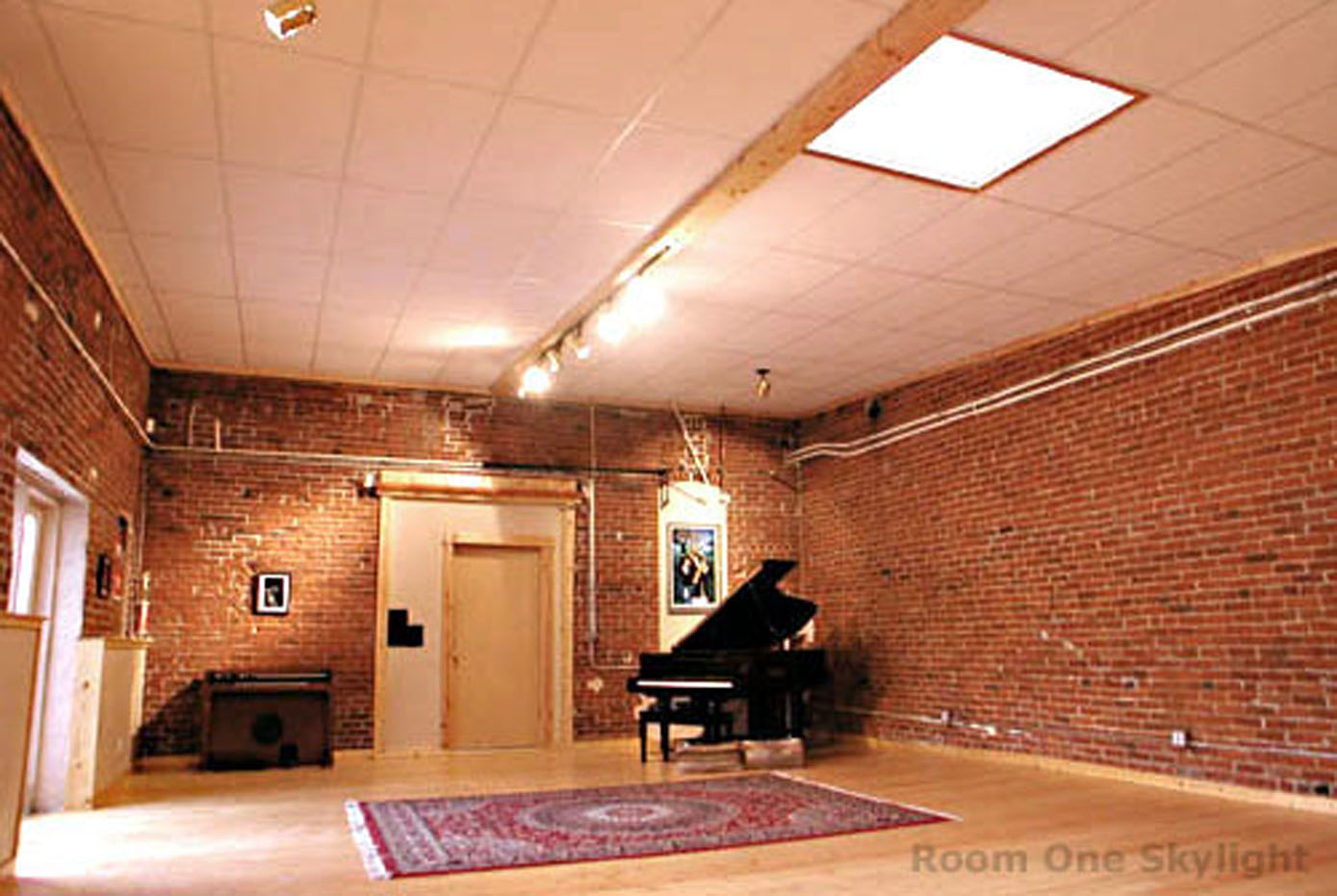 this is the studio i will be using for the live studio shoot in the