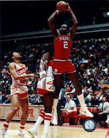 BALONCESTO - Un infarto se lleva a uno de los mejores pívots de la NBA: Moses Malone