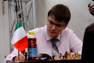 Echecs à Moscou : Ronde 4, Evgeny Tomashevsky (2738) battu par Fabiano Caruana (2770) - Photo © ChessBase