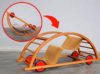 Schaukelwagen de Hans Brockhage cotxe balancí per nens