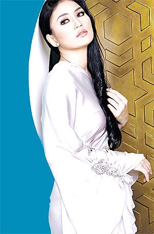 Gambar Fasha Sandha Seksi Hot Sambut Hari Raya Di Perlis