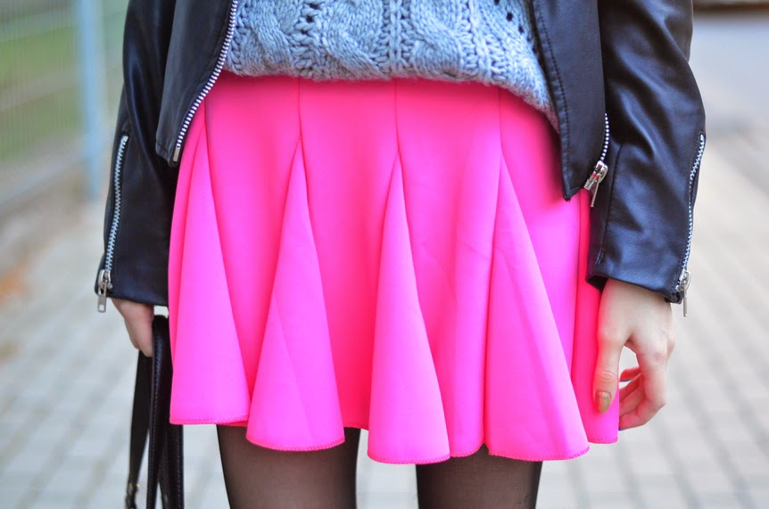 http://www.abaday.com/elastic-waist-skater-skirt.html