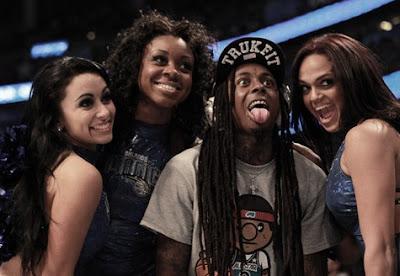 Lil Wayne mostrando a língua