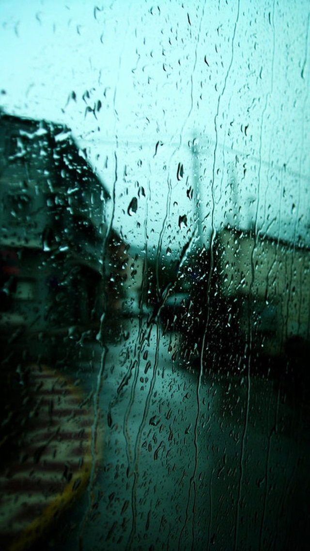 IPhone 5 Wallpaper Rain On The Glass