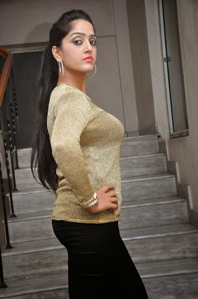 Divya Singh Pics In Tight Dress