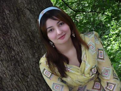 Gul Panra New Pics 2013, Gul Panra Pics Collection, New Pics Of Gul