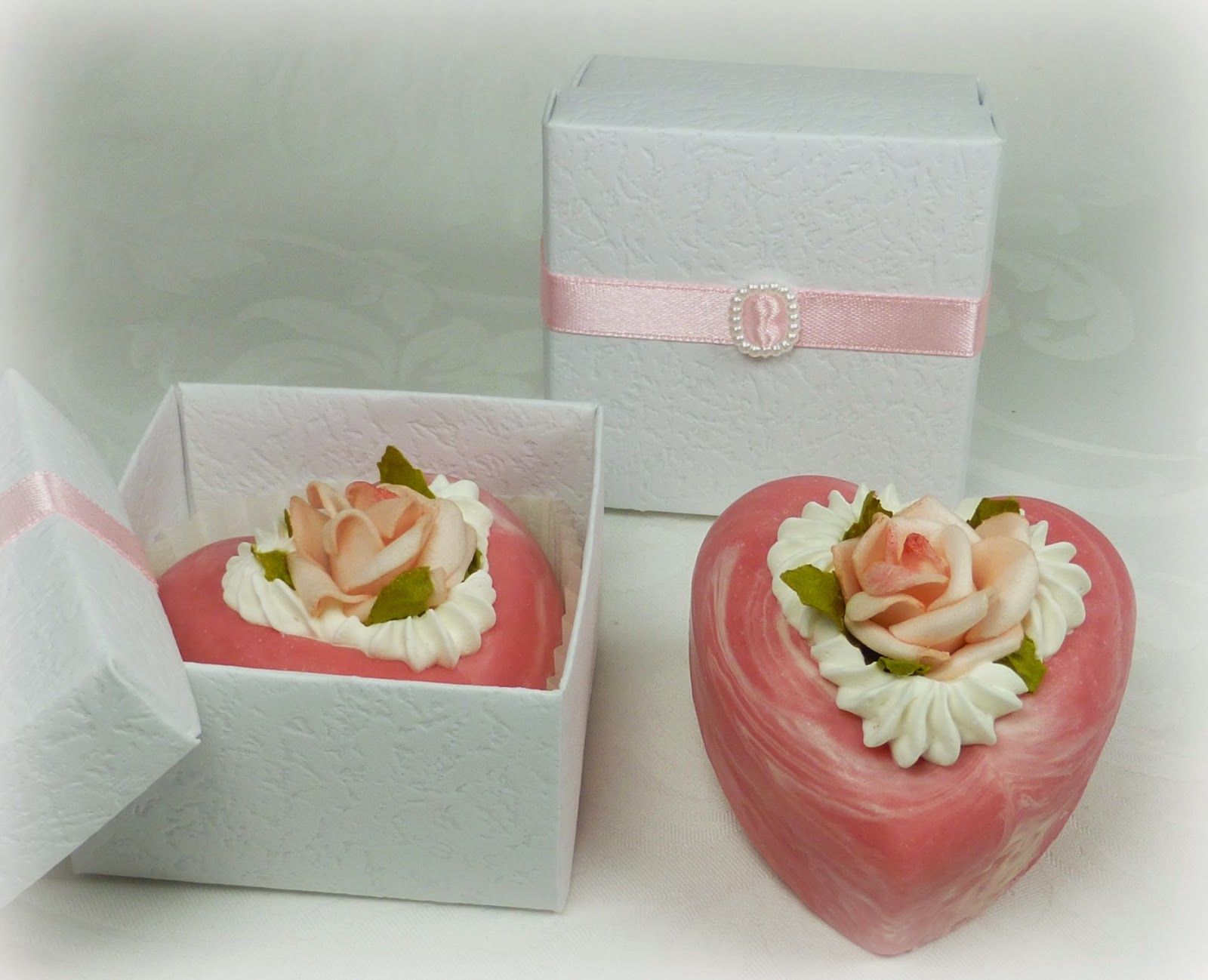 http://www.delicious-soaps.de/seifen/feine-seifen/lovely-heart---seifenherz.php
