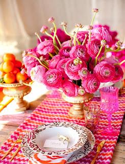 dekorasi+meja+makan+dengan+pot+bunga+pink Dekorasi meja pernikahan