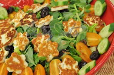 Hellimli Çiçek Salata Tarifi