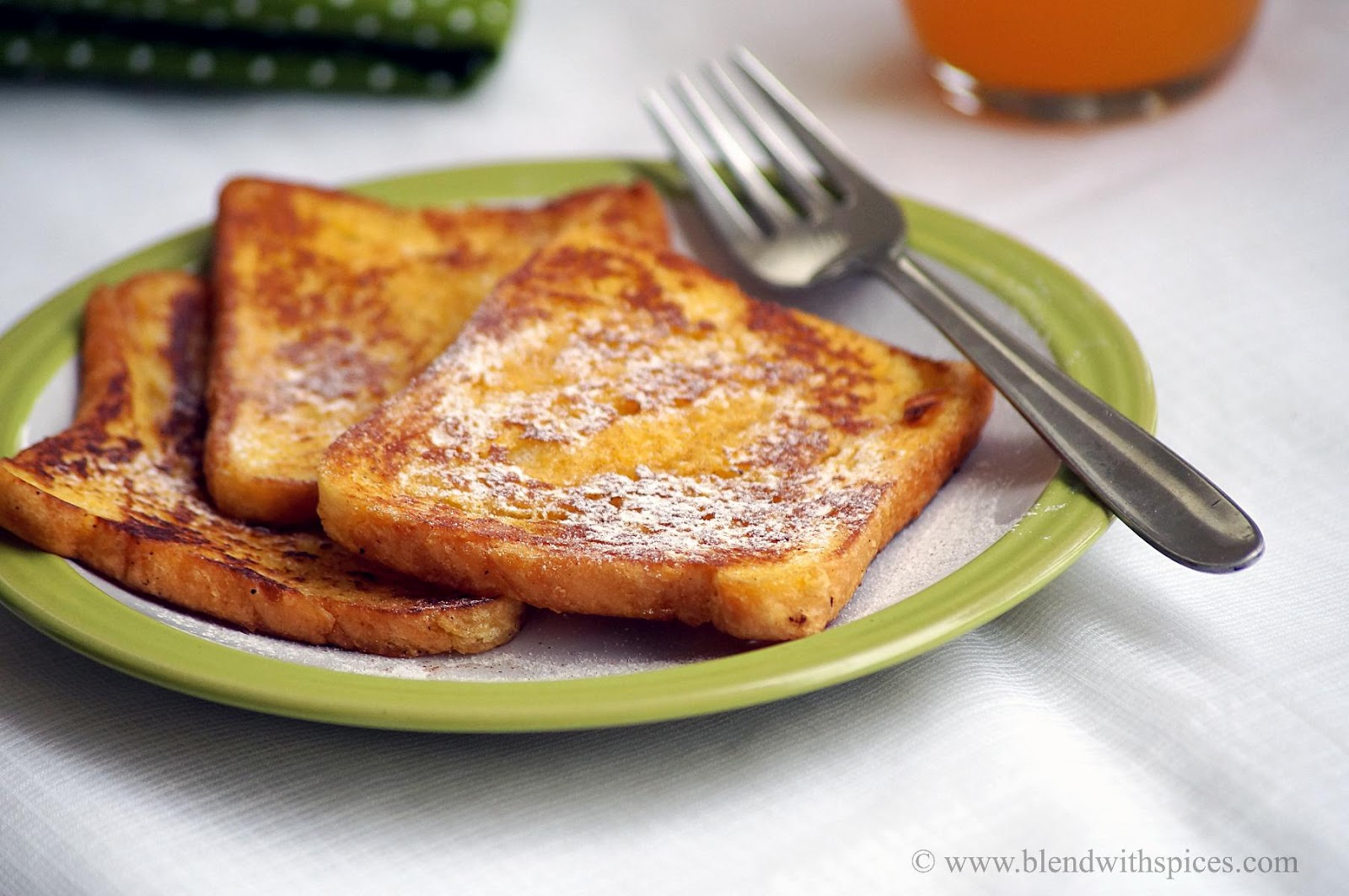 Eggless Cinnamon French Toast Recipe | Easy Bread Recipes - Blend with ...