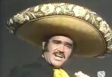 """Vicente Fernandez canta """"El Rey"""""""