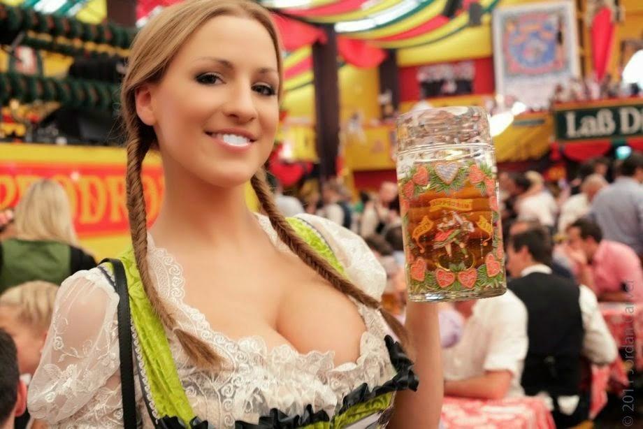 bir girl oktoberfest