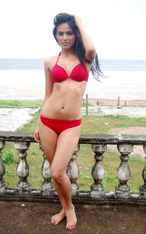 Madhurima Tuli bikini hot photos