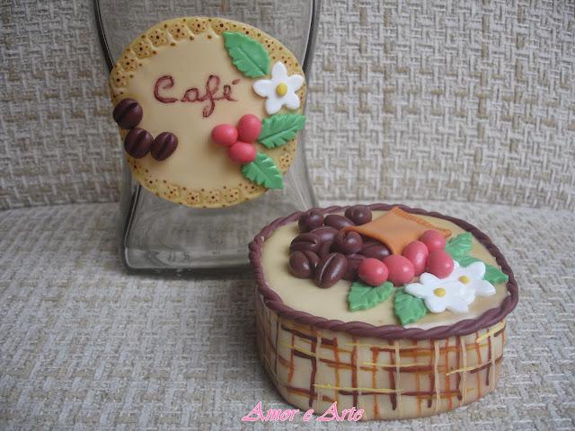Vidro para café, decoração em biscuit (mais detalhes)
