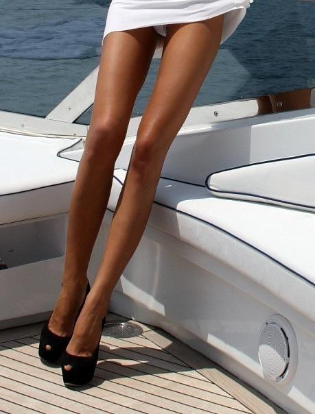 Фетш с женскими ногами
