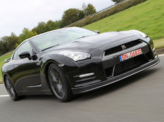 Nissan GT-R 2012 pictures