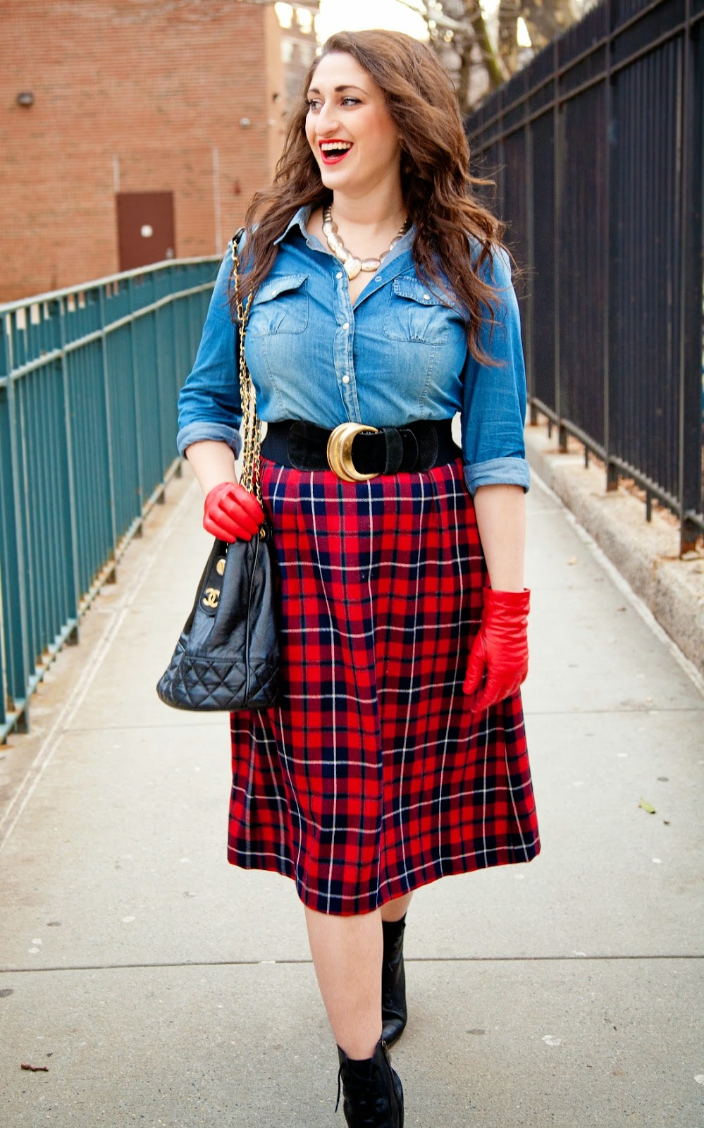 Just Sara Jane: How to Dress Well in Vintage: The $3 Skirt
