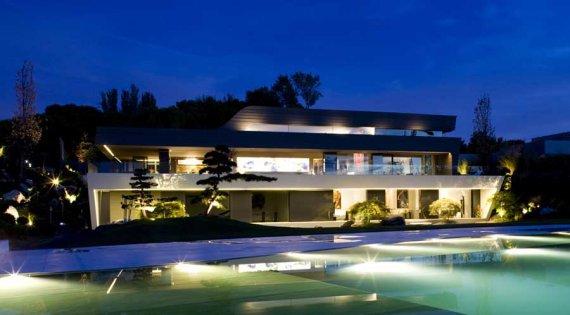 Rumah Ronaldo di Madrid.
