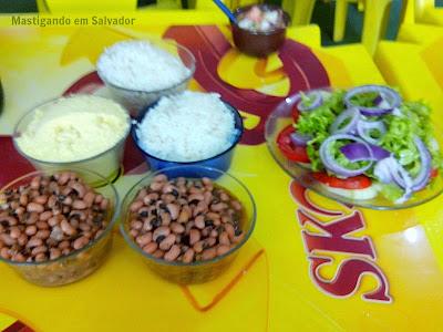Bar da Neinha - O Point do Camarão: Acompanhamentos (Feijão, Arroz, Farofa e Salada)