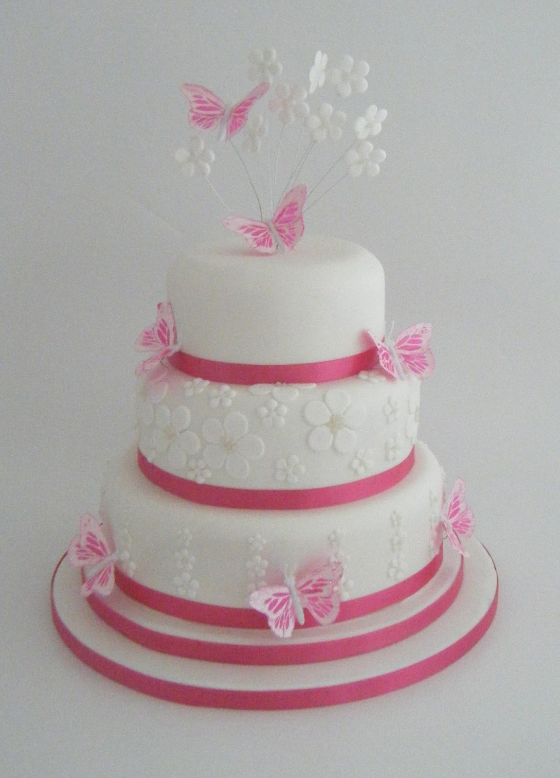 Cake Decoration Butterfly : Wedding Cakes: Top 10 Butterfly Wedding Cake Decorations ...