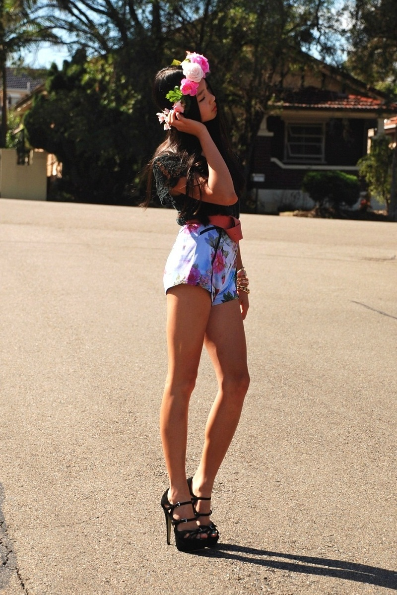 floral crown, spring, style, fashion blogger, street style, personal style, outfit, floral shorts, black lace