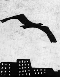 La extraña y gigantesca ave sobre Barcelona