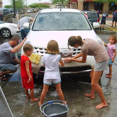 cara mencuci mobil warna putih  Membersihkan mobil yaitu beberapa langkah anda untuk selalu merawat mobil anda supaya tetap kinclong, mengkilat, bersih, dan merawat cat mobil supaya terus tampak menarik serta tak sirna lantaran banyaknya debu.