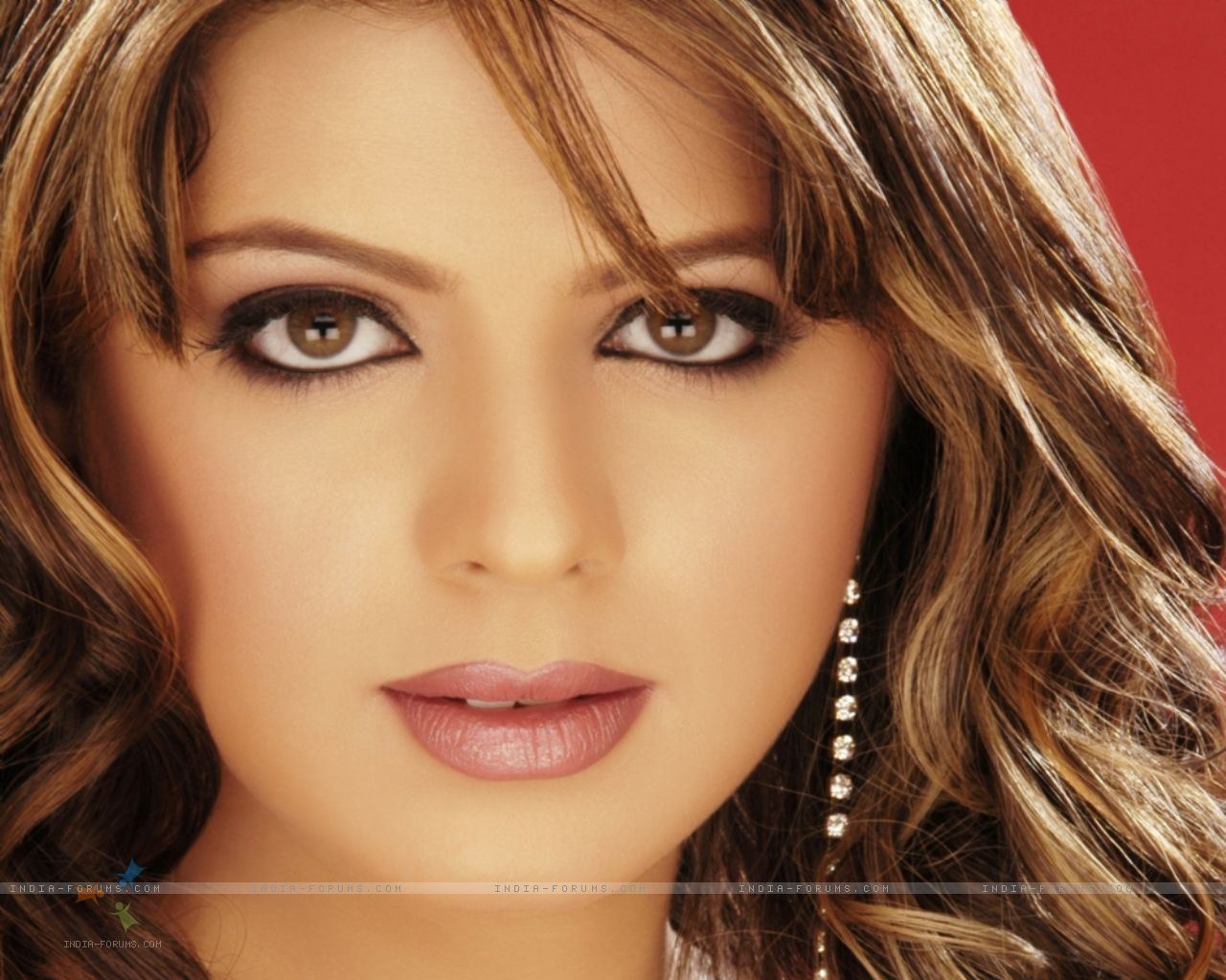 http://3.bp.blogspot.com/-kzWtkgJD9Yg/TfomdCzNXOI/AAAAAAAAAZU/moJIUM1v59g/s1600/Rucha+Gujarati+Wallpaper13.jpg
