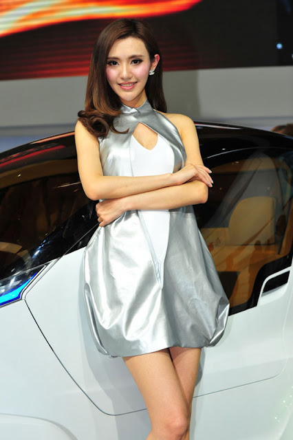 foto model cantik Auto show China 2012-5.jpg
