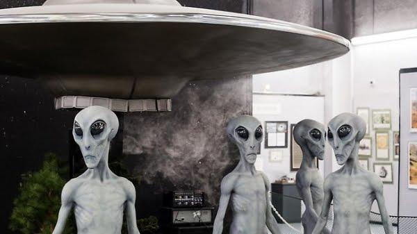UFO ΚΑΙ ΥΠΟΓΕΙΕΣ ΒΑΣΕΙΣ