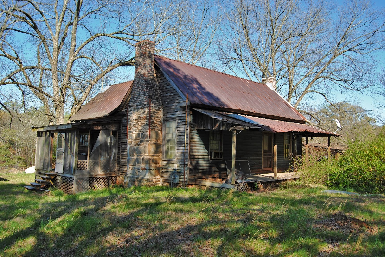 Remnants of southern architecture old farmhouse turner for Classic farmhouse