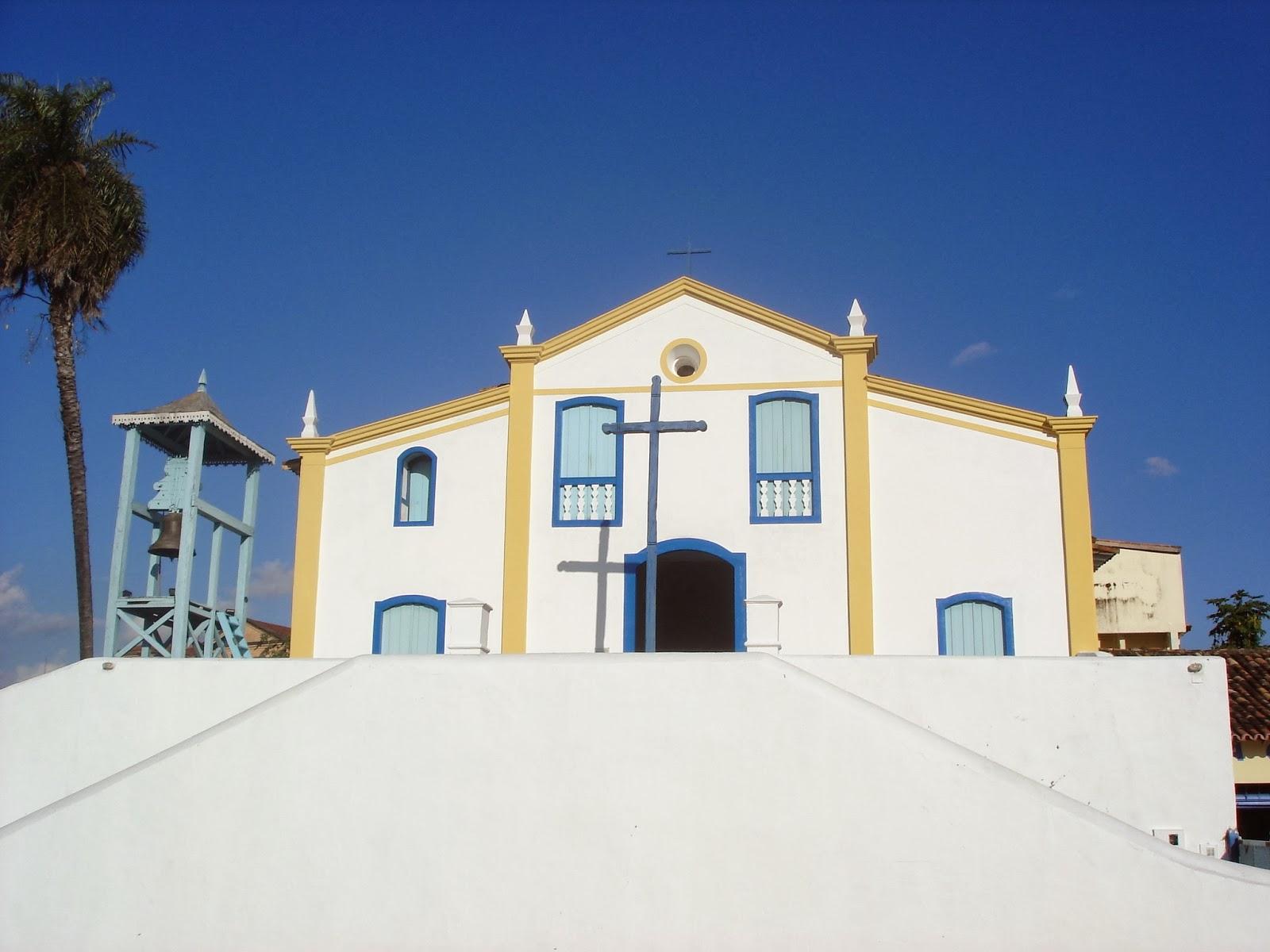 Casa abalcoada constru es religiosas em vila boa de goy z i for Fachada tradicional