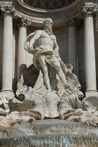 Statue-of-Neptune-Trevi-Fountain