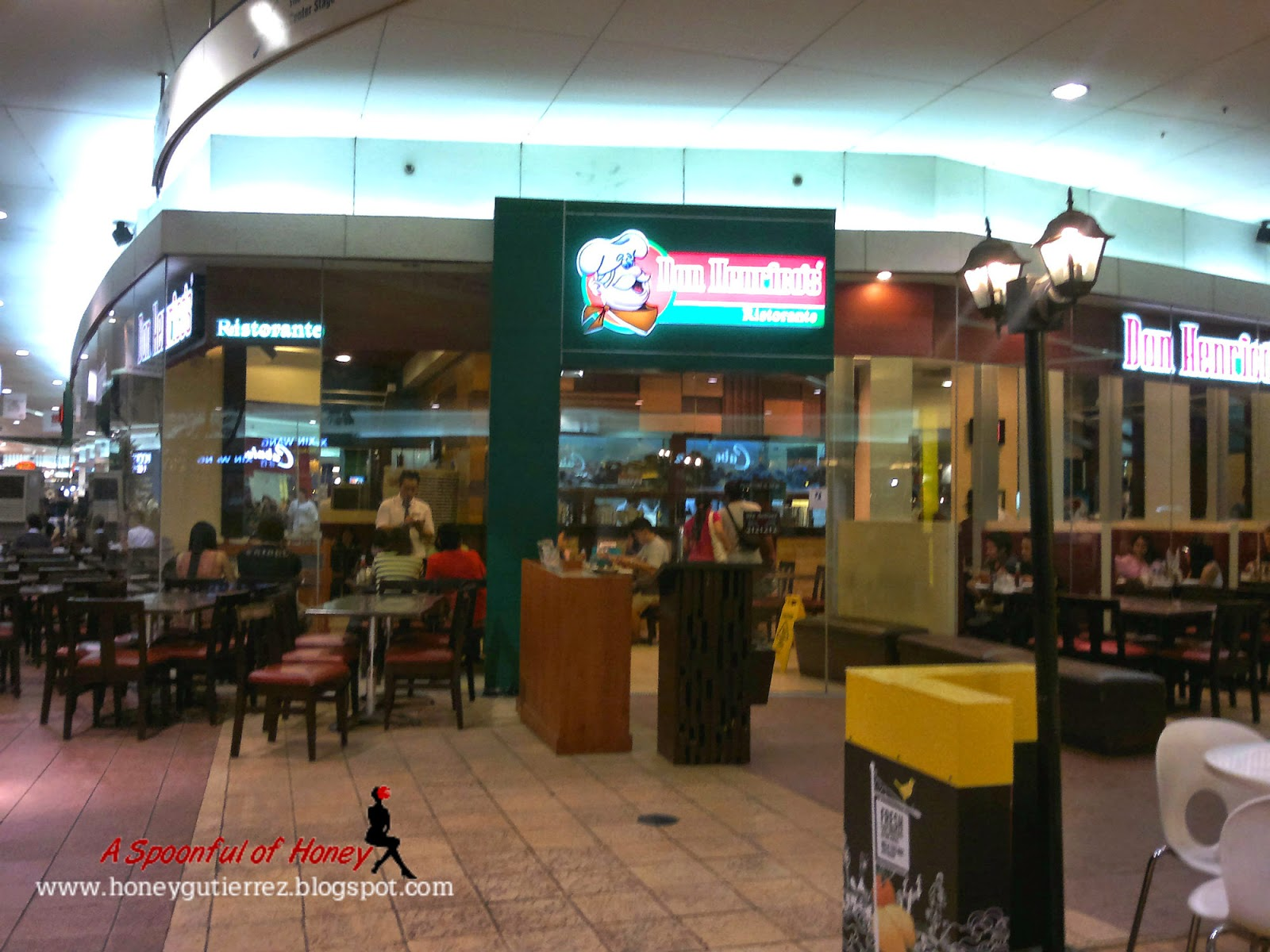mall of asia 10 sm mall of asia – bay city – pasay, phillipines shops – over 1000 shops including 360 dining facilities area – 4,380,502 square feet this mall opened its.