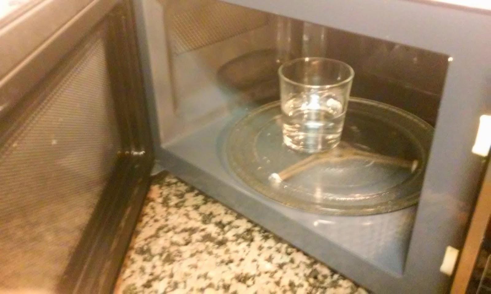 agua a calentar en el micro