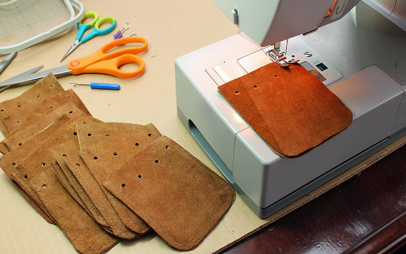 Leather dice pouch sewing