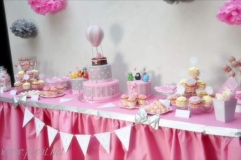 sweet table anniversaire rose et gris le candy bar. Black Bedroom Furniture Sets. Home Design Ideas