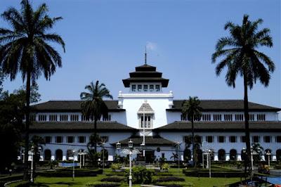 Gambar Wisata Bandung gedung sate