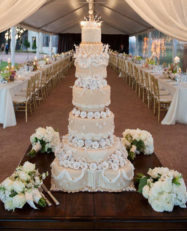 The Discreet Understated Wedding Cake Under Big Top
