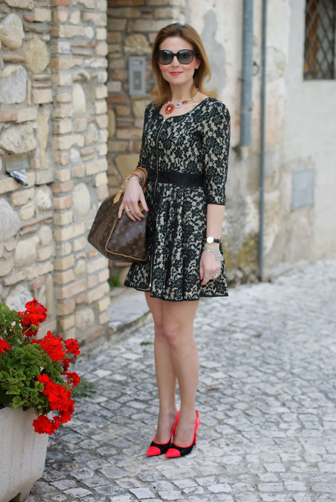 Blackfive dress, lace dress, Sodini bijoux collana arancio, Nando Muzi heels, Fashion and Cookies, fashion blogger