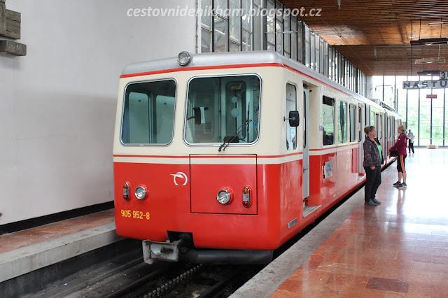 zubačka // a cog railway