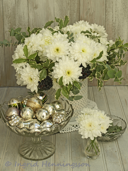 Of spring and summer white and silver christmas i was inspired to do a white and silver christmas flower arrangement it all began with a collection of small vintage christmas baubles that i found on ebay mightylinksfo