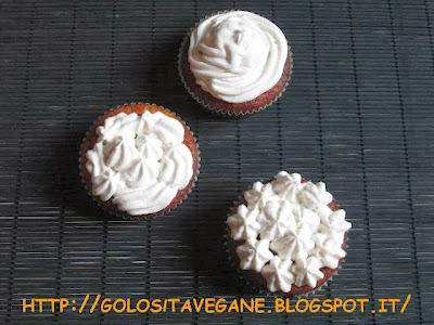 arance, banane, copertura cupcake, cupcake, Dolci, farina di ceci, farina di quinoa, forno, lievitati, lievito, panna soia, ricette vegan, sciroppo d'agave, tofu, vegrino, zucchero canna,